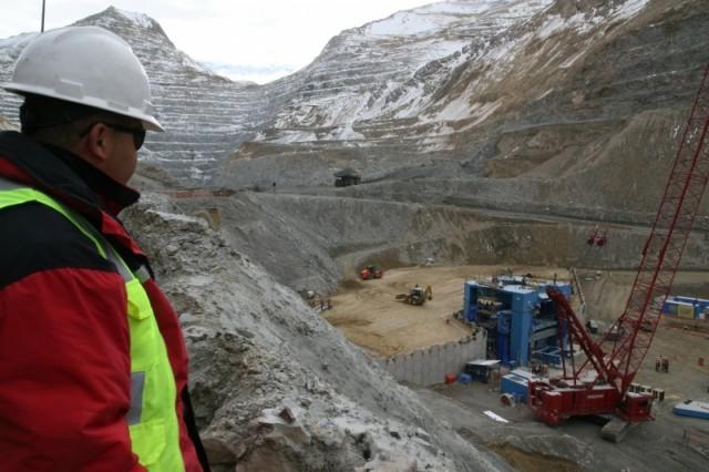 Mineras apelan a la ayuda del Gobierno por caída del cobre