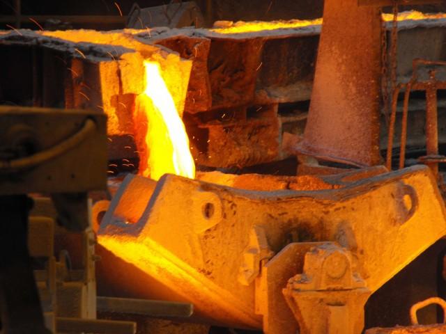Bolsas mundiales se ven afectadas por caída de materias primas