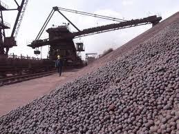 Mineral de hierro sigue cayendo en sus precios