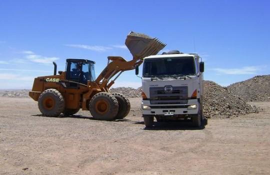 Proponen que transporte, recepción, acopio y embarque de minerales pase por evaluación ambiental