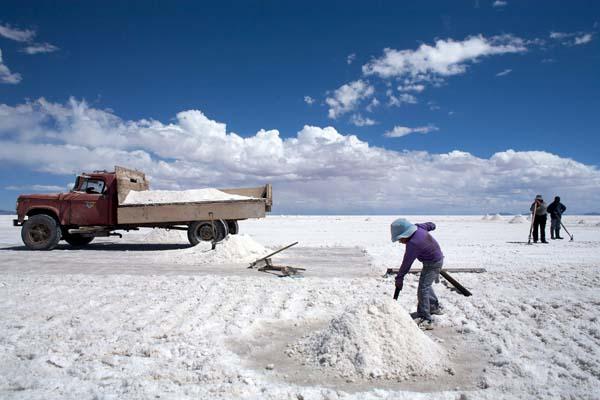 Conozca la lista de empresas extranjeras interesadas en desarrollar el negocio del litio en Chile