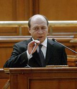 罗马尼亚总统特莱扬•伯塞斯库(Traian