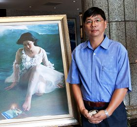 图9:高雄画会理事长吴胜法:真善忍这三个字的精神,是很多艺术家想要追求的。