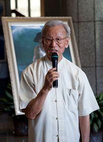 图12:高雄市艺文团体理事长协会创会主席李春成博士希望议员都支持法轮功