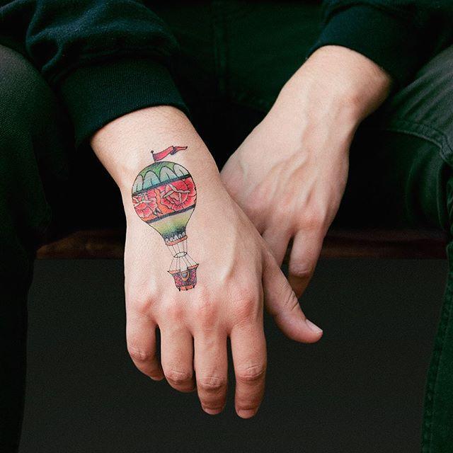 Resultado de imagem para mãos masculinas bonitas