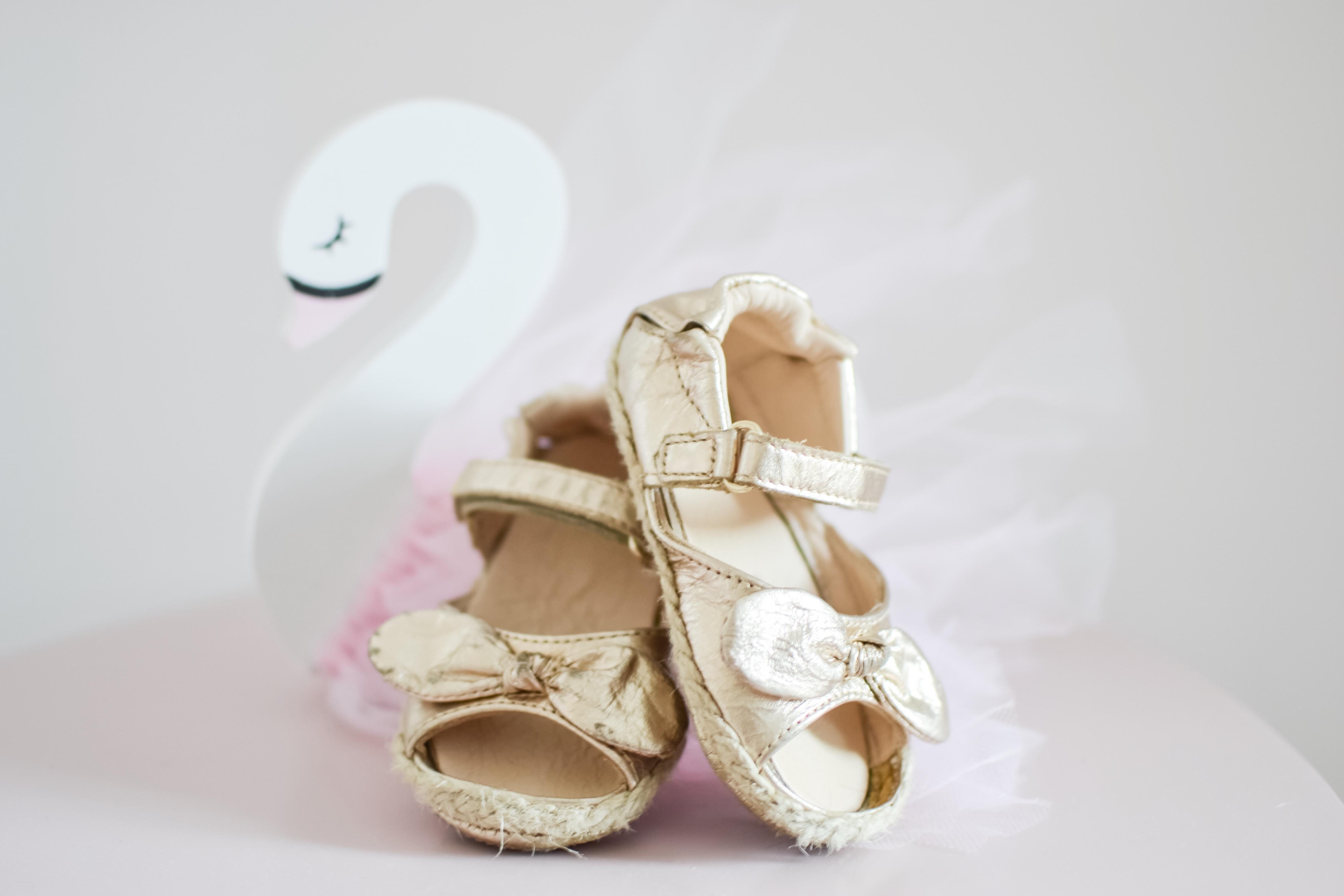 fd974d44b3666 First baby shoes - Natálkin botník počas prvých krokov v jej živote -  minidiamondblog