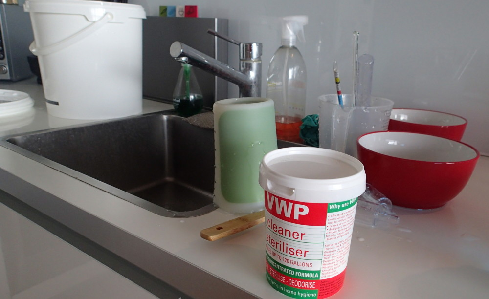 Sterilising solution to keep the brewing tools clean