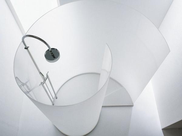 independiente cabina de vidrio moderno cuarto de baño