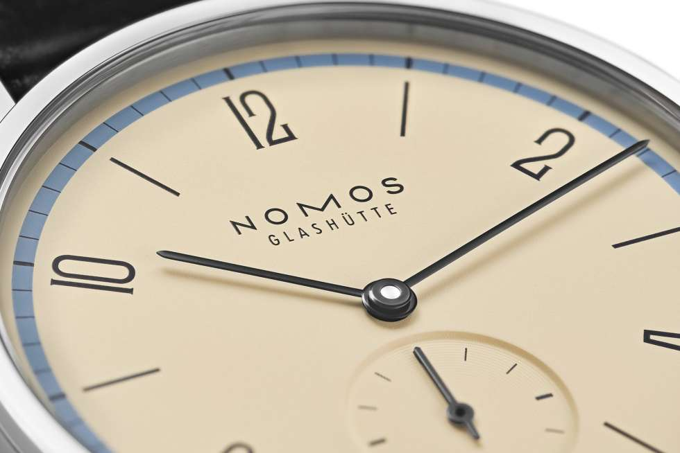 Nomos Glashuette Tangente 100 Years Bauhaus Limited Edition Blue Close-up
