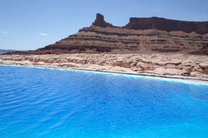 IMAGE GALLERY: Potash ponds in the Utah desert