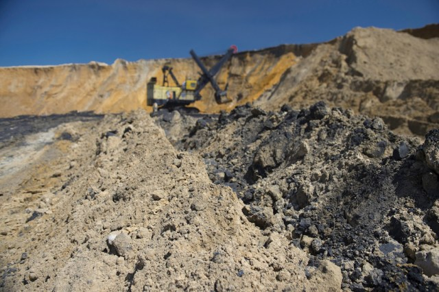 Anglo American concludes sale of three coal mines in South Africa