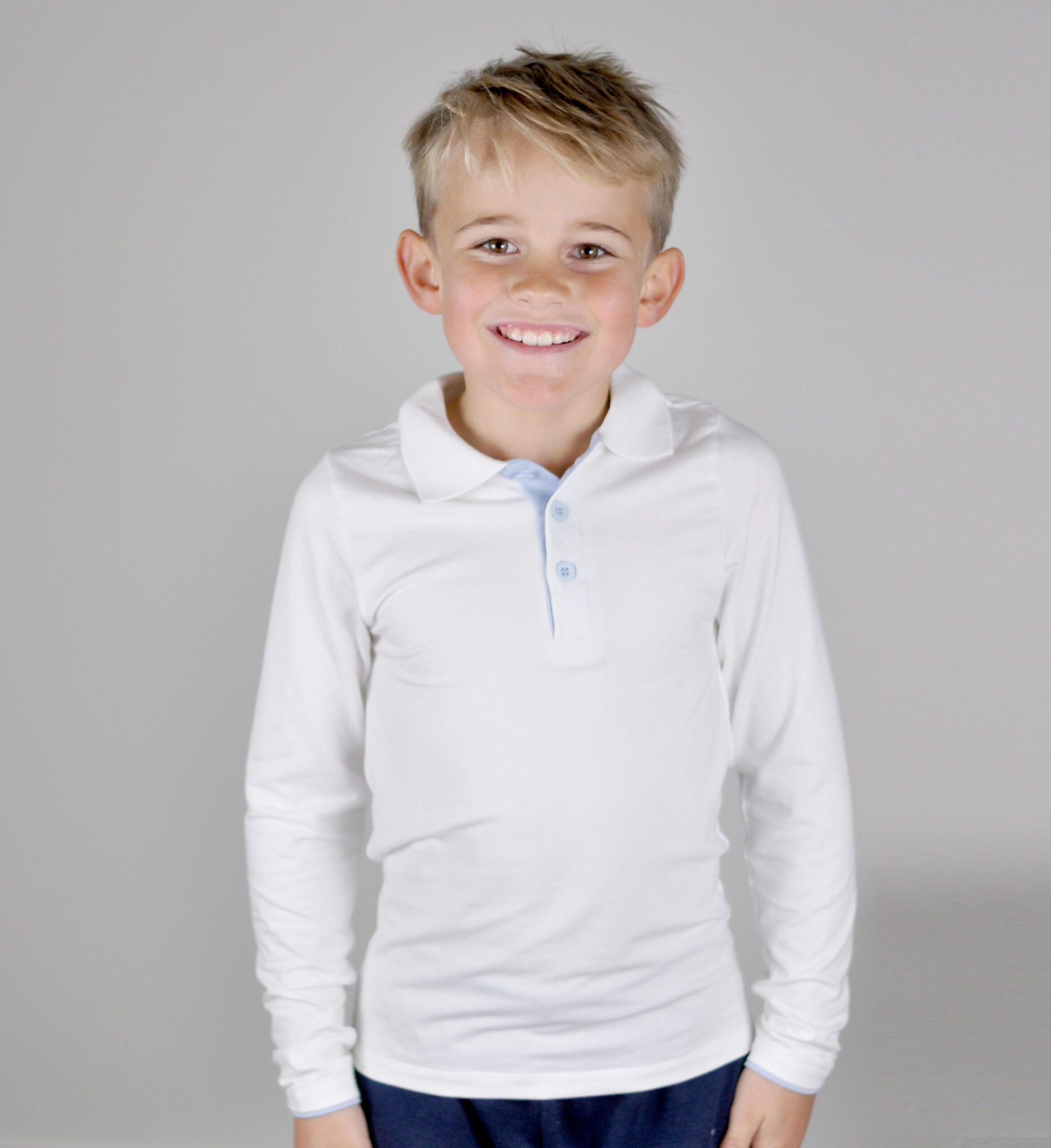 Skjortegenser - hvit med lyseblå - modell2