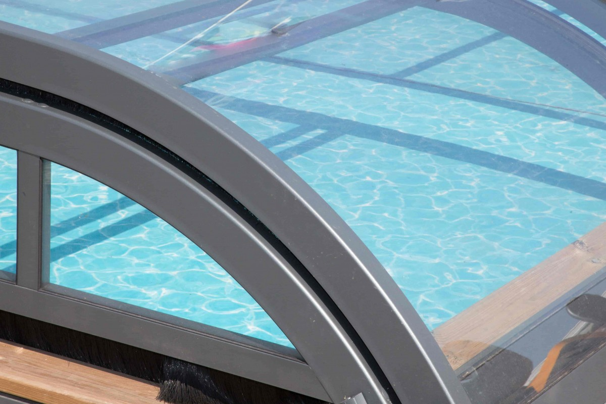 abri pour petite piscine avantages et