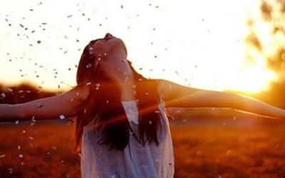 Os Passos da Adoração: Entrem em seus Átrios com Hino de Louvor
