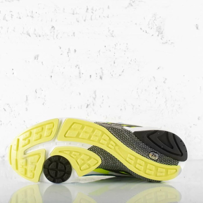 NIKE AIR GHOST RACER WHITE HYPER BLUE NEON YELLOW (7)