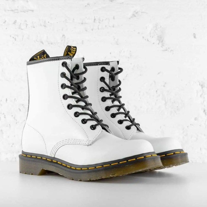 DR. MARTENS 1460 W LEATHER ANKLE WHITE SMOOTH 4