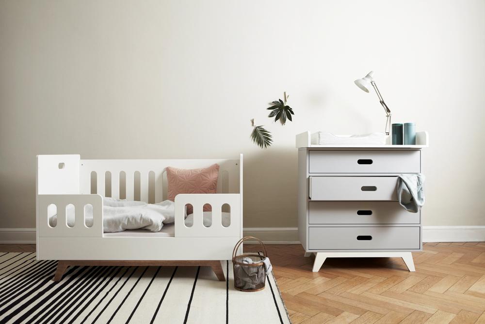 Mini & Stil, Mama Blog Schweiz, Familien Blog, Baby Blog, Snowflake Kindermöbel, Kinderzimmer, Babyzimmer, Baby Erstausstattung