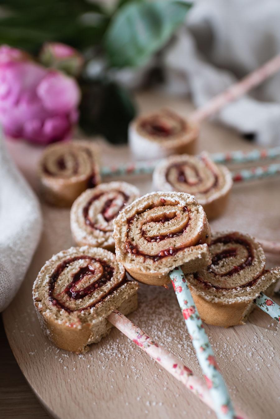 Kuchen am Stiel: Ein einfaches und schnelles Rezept für Kuchen-Lollies #kuchen #cakepops #backen #rezept #kindergeburtstag #kindergeburtstagskuchen