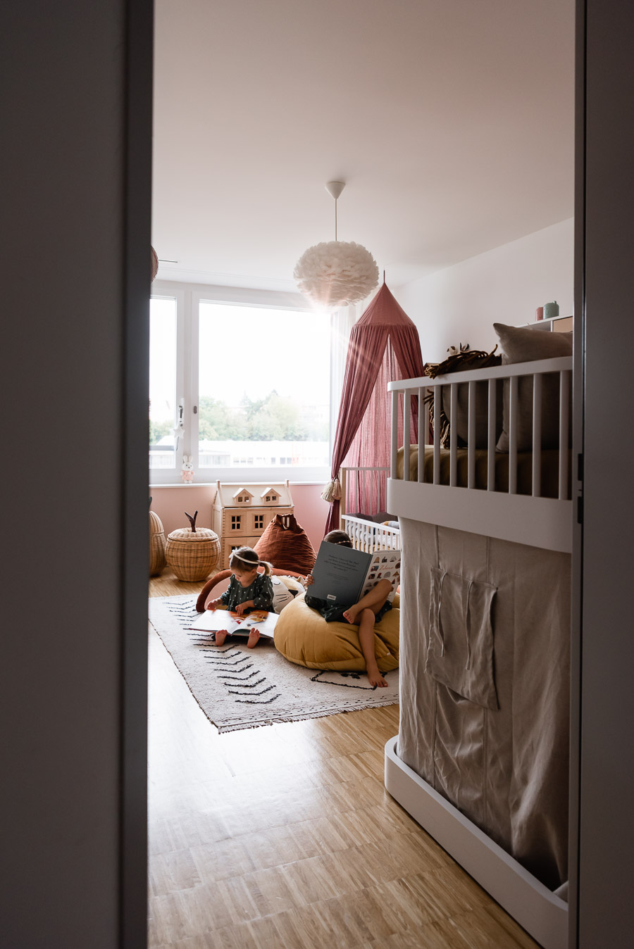 Our girls' room has changed over the years.  Find out everything about our children's room #kinderzimmer # Mädchenzimmer #kidsroom