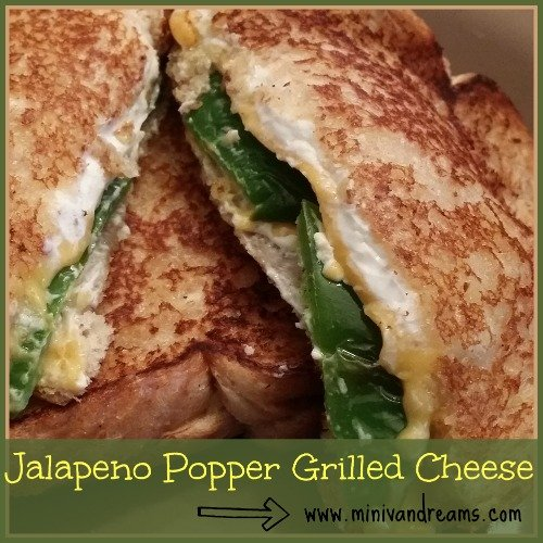 Jalapeno Popper Grilled Cheese via Mini Van Dreams #recipes #easyrecipes #recipesforsandwiches