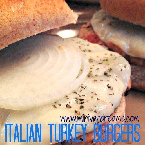 Red Gold Fourth | Italian Turkey Burgers via Mini Van Dreams #recipes #easyrecipes #sponsored