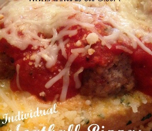 Individual Meatball Pizzas | Mini Van Dreams #easyrecipes #recipesforpizza #recipes