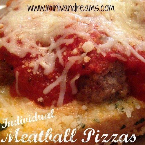 Individual Meatball Pizzas | Mini Van Dreams #easyrecipes #recipesforpizza #recipes