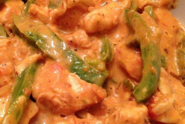Cheesy Chicken and Rice | Mini Van Dreams #chickenrecipes #recipes