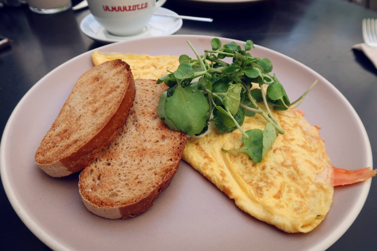 Best brunch in Barcelona @minkaguides Federal Sant Antoni omlette