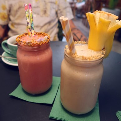 Best brunch in Barcelona @minkaguides Tropico smoothie