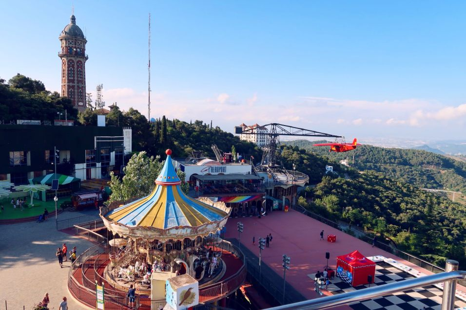 Things to do in Barcelona @minkaguides Mount Tibidabo merry go round