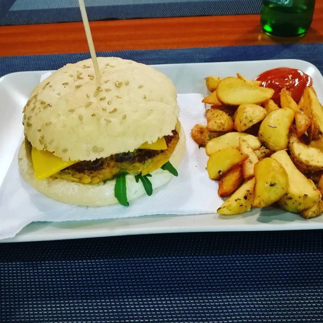 Gluten-free vegan Porto @minkaguides Black Mamba