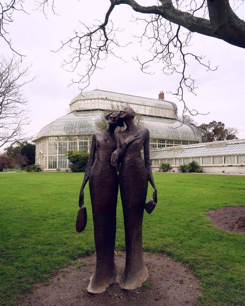 National Botanic Gardens Dublin @minkaguides statue