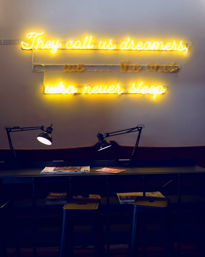Review The Yellow Hostel Rome @minkaguides Yellow Bar