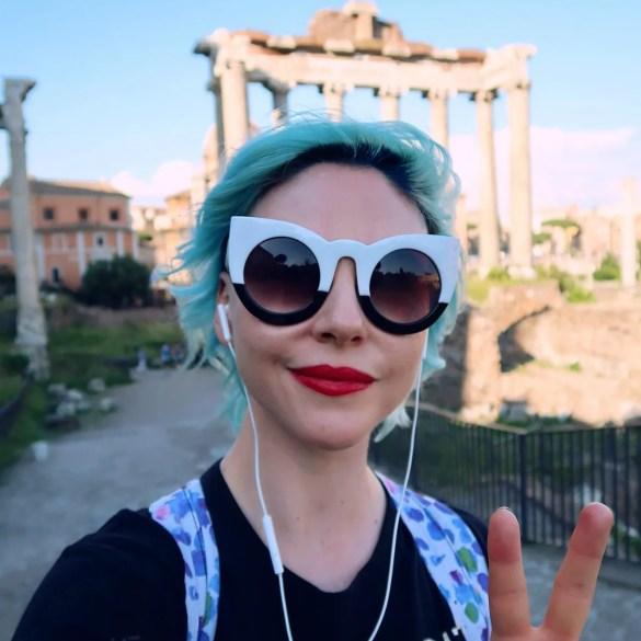 Rome overtourism @minkaguides Roman Forum selfie