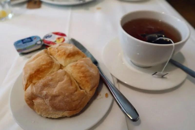 gluten-free-bread-breakfast Market Hotel Barcelona CREDIT Minka Guides
