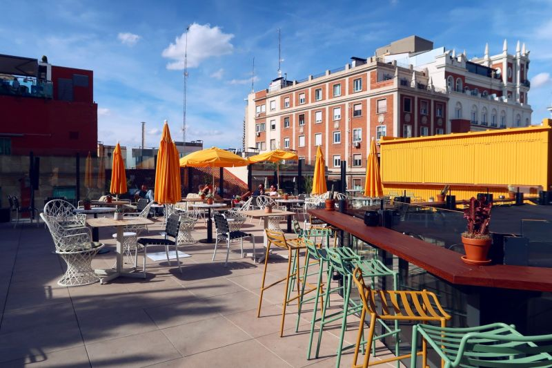 Generator Hostel Madrid @minkaguides rooftop bar 2