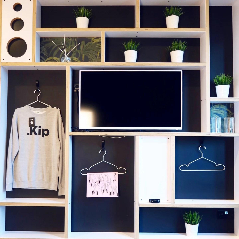 Kip Hotel Hackney @minkaguides bedroom tv
