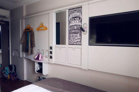 Point A Hotel London Shoreditch @minkaguides bedroom ameneties