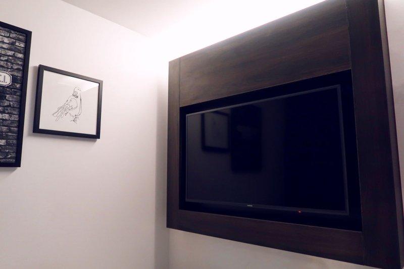 The East London Hotel @minkaguides flat screen TV