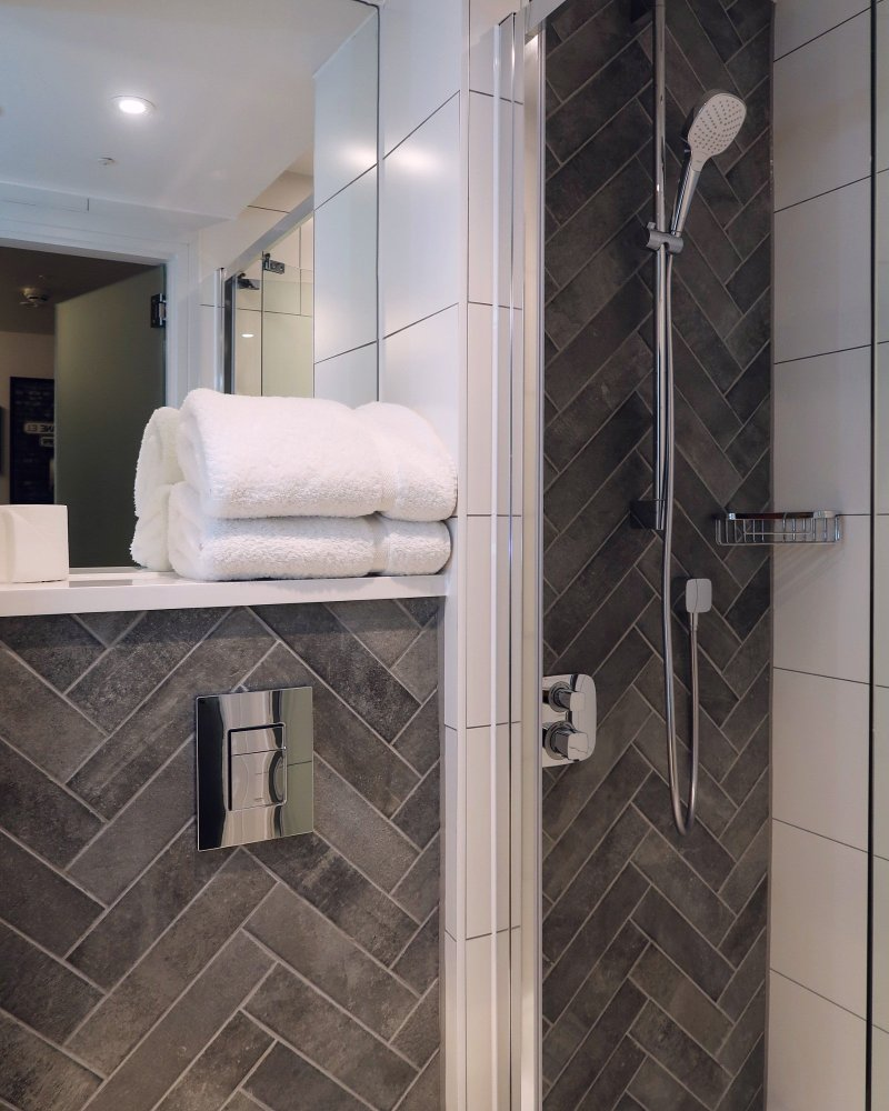 The East London Hotel @minkaguides shower