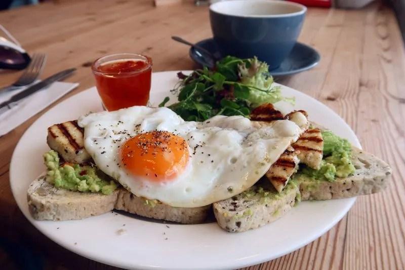 Cornwall itinerary - The Honey Pot Penzance breakfast CREDIT Minka Guides