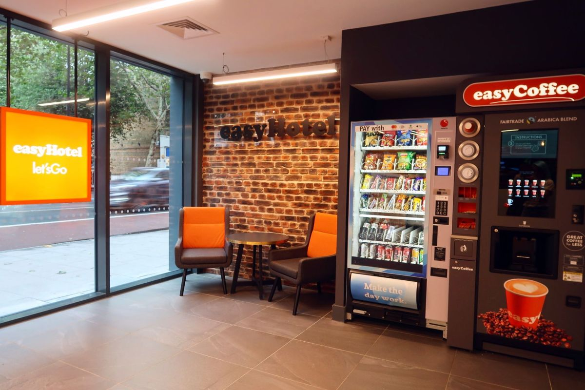 easyHotel Old Street lobby CREDIT Minka Guides
