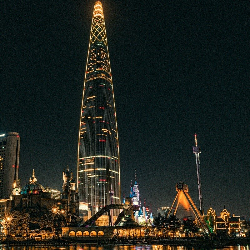 Unique things to do in Seoul Lotte Tower CREDIT daniel lee-unsplash