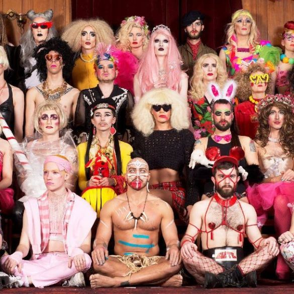 Doing drag - Sink The Pink family photo 2014 - cropped CREDIT Sink The Pink - Jacob Love