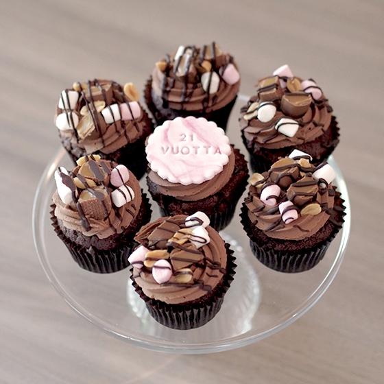 cupcaket syntymäpäiväjuhliin