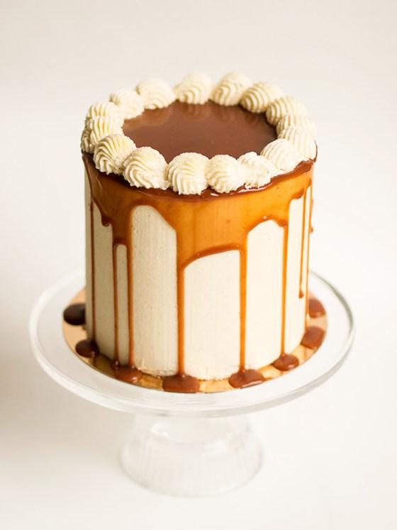 banana_salted_caramel_cake_2_minnabakes
