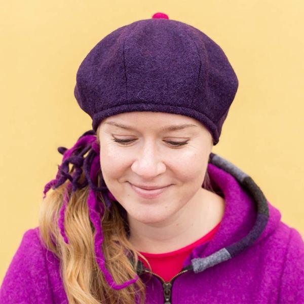 Violetti villabaskeri, naisten talvihattu