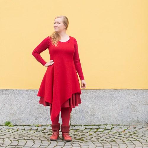 Punainen villamekko, hihaton. Haltiamekko, Minna Suuronen Design.