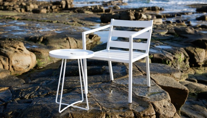 Cosi Armchair with Handy Table